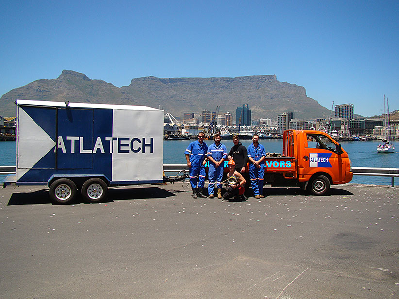Atlatech Divers in front of Table Mountain